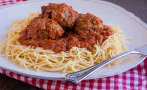 Spaghetti with Meatballs Dinner for One